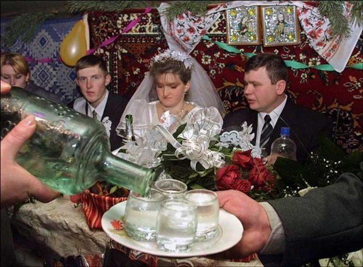 Свадьба в деревне: 50 невероятно смешных фотографий