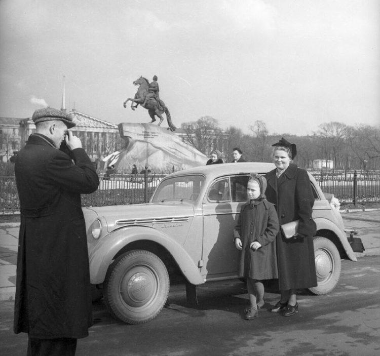 Zhizn' v SSSR Yevrope i Amerike v 1950-kh godakh
