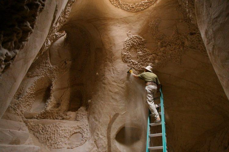 Волшебные дворцы, вырезанные из скалы. Фото