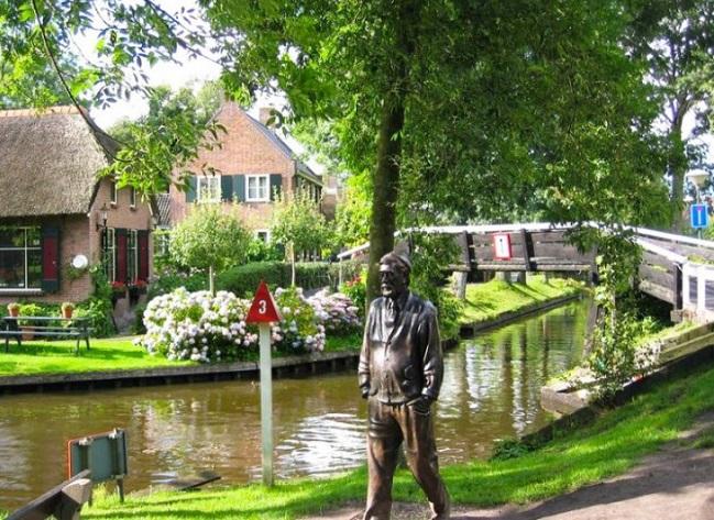 Деревня Гитхорн: своя Венеция для голландцев