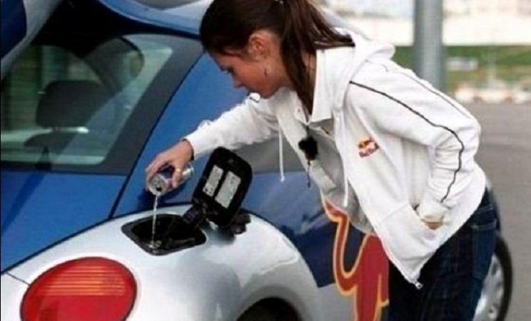 Когда за рулем дама и другие автоприколы: 100 фото
