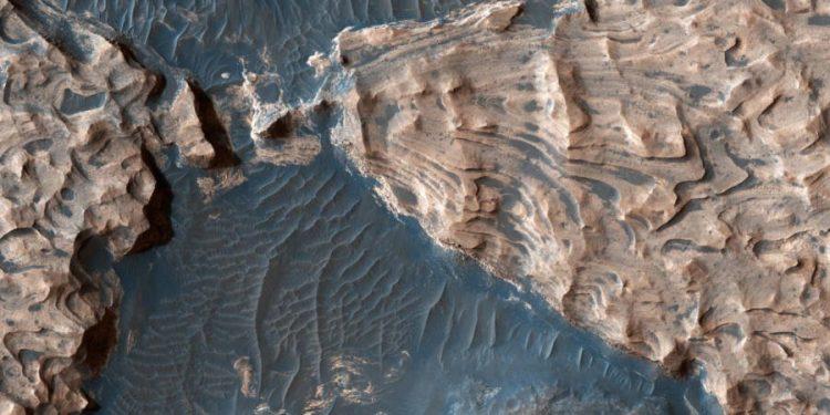 30 свежих фото с Марса, которые поразят ваше сознание