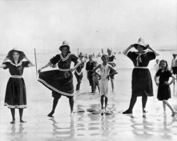1890_evolyutsiya bikini
