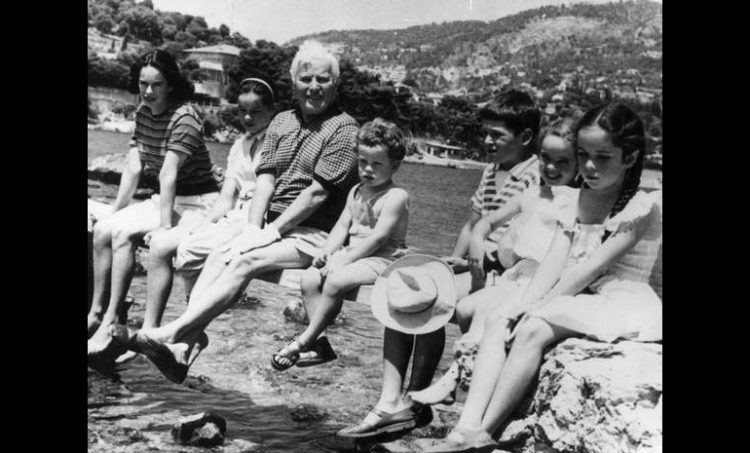 charlie chaplin with family