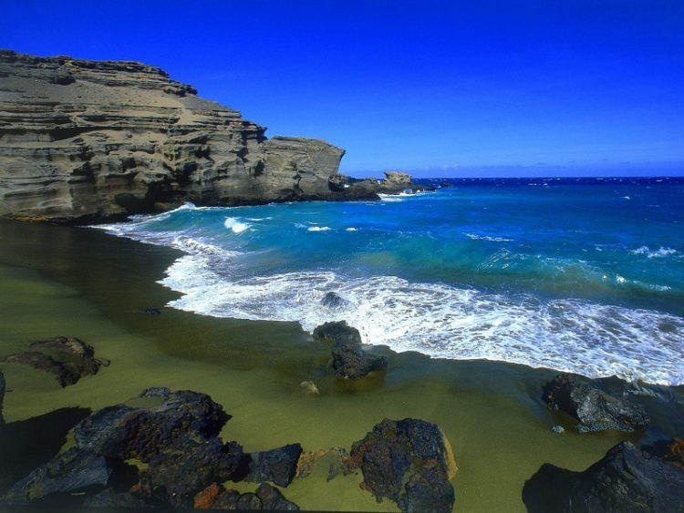 green beach gawaii