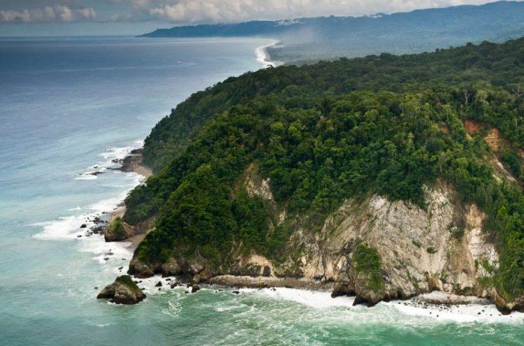 Необитаемые острова - таинственные миры, затерянные среди океанов